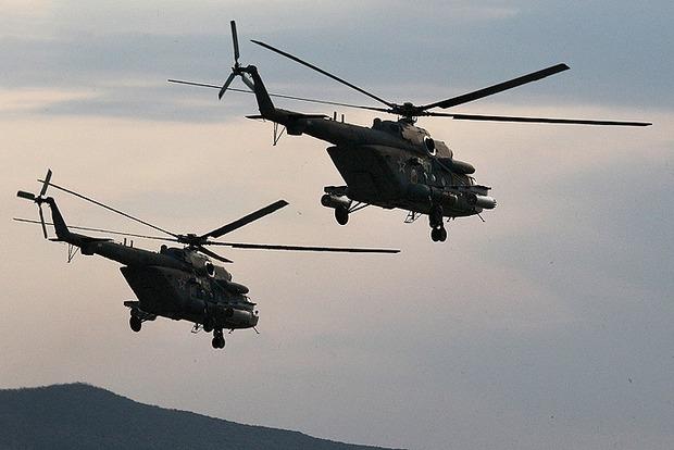 Российские вертолеты приблизились к административной границе с оккупированным Крымом
