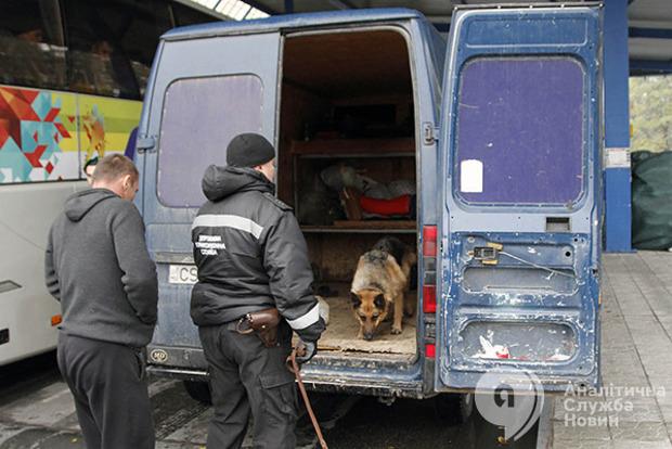 Во Львовской области украинец пытался вывезти вьетнамцев-нелегалов в ЕС