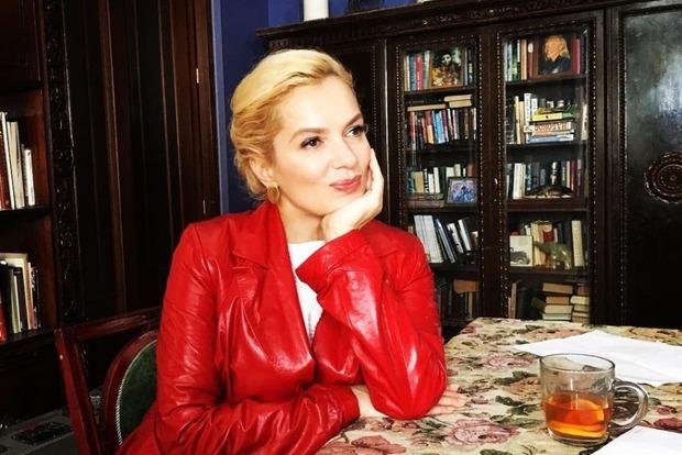 44-річна російська зірка кіно стане матір'ю-рекордсменкою