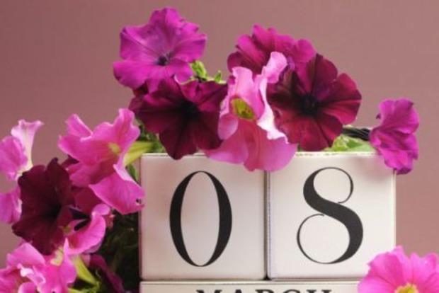Женщинам не так сильно нравятся цветы, как думают мужчины. Рейтинг подарков на 8 Марта
