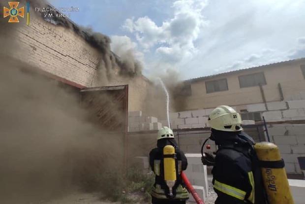 Большой пожар на складах в Киеве