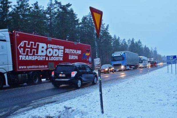 Поезд протаранил внедорожник с военными в Финляндии. Много жертв