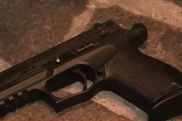 Мужчина в свой день рождения расстрелял напавшего на него парня