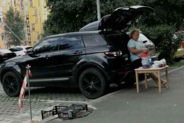 Сеть насмешило фото необычной бизнесвумен в Киеве