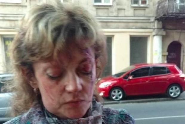 Опубликовано видео избиения активистки в Одессе
