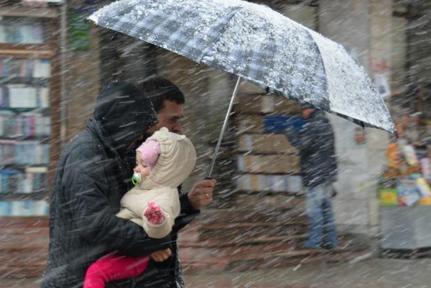 Киевлян предупредили об усилении ветра и мокром снеге 31 октября