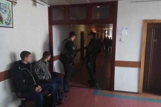 Силовики с автоматами проводят обыски в мэрии Черкасс