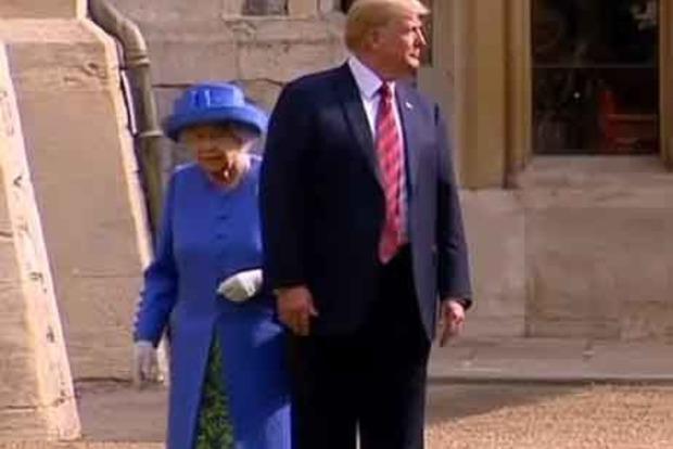 Трамп оконфузился на встрече с королевой Елизаветой II