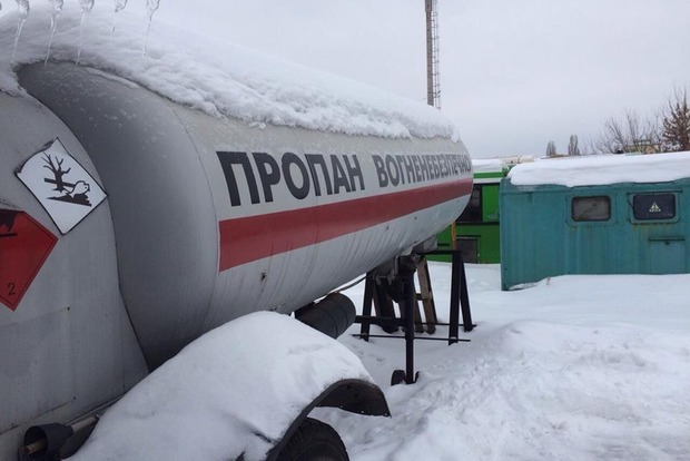 Санкции, введенные в Украине против 17 компаний, могут привести к подорожанию автогаза в марте