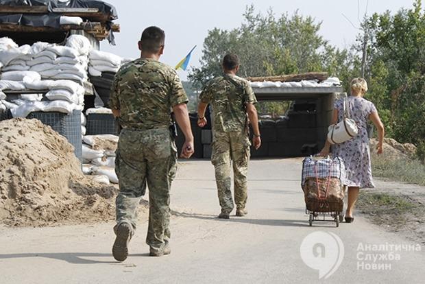 Миссия ООН: Ежедневно линию огня на Донбассе пересекает 25 тыс. человек, права которых нарушаются
