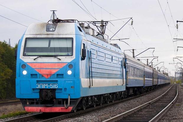 В Харькове поезд насмерть сбил женщину
