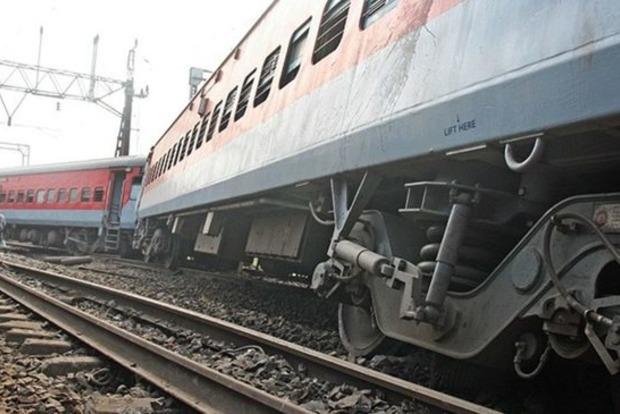 Из-за воров в Тернопольской области поезд слетел с рельсов