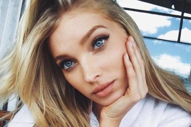 29-річна ангел Victoria's Secret поділилася пікантними знімками з гримерки