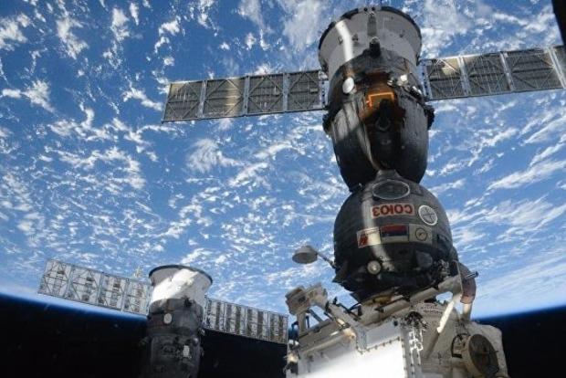 Космический грузовик «Прогресс» с новогодними подарками на борту разбился, обломки упали в Туве - СМИ