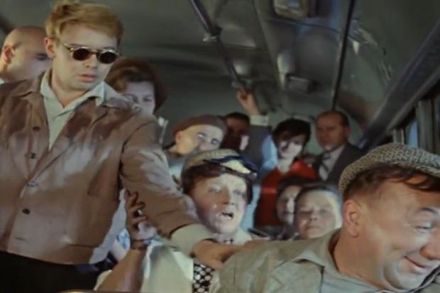 Полная маршрутка пи...ров: В столичном автобусе из-за старухи произошла массовая драка