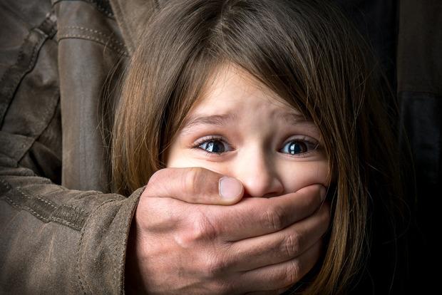 В Кировоградской области 23-летний парень избил и изнасиловал несовершеннолетнюю