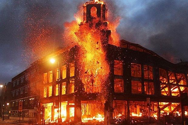 УРосії загорівся деревообробний завод