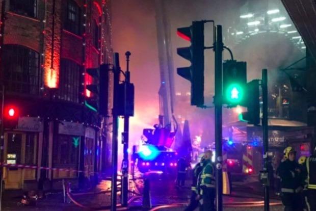 Пожар на крупном рынке в Лондоне локализован