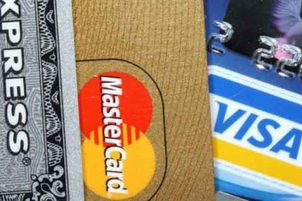 У РФ банки закликали підготуватися до відключення від Visa і Mastercard