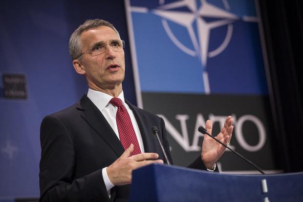 Нужно снять напряжение: в НАТО объяснили значение встречи Трампа с Путиным