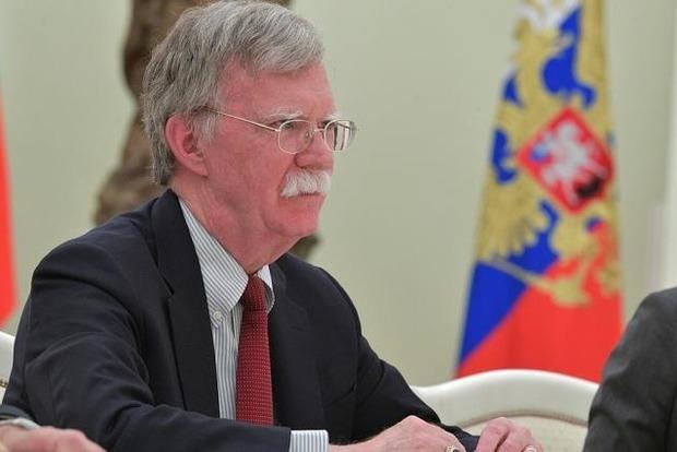 Болтон: России было бы полезно уйти из Крыма и с Донбасса