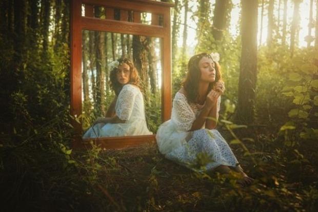 Почему эзотерики не советуют фотографировать себя в зеркале