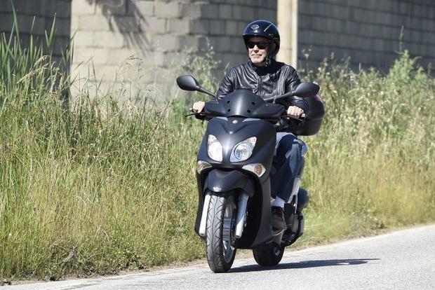 Джордж Клуні потрапив в аварію і зламав собі кілька кісток (фото)