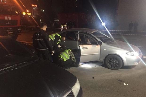 В Киеве взорвался автомобиль. Есть погибший и раненый