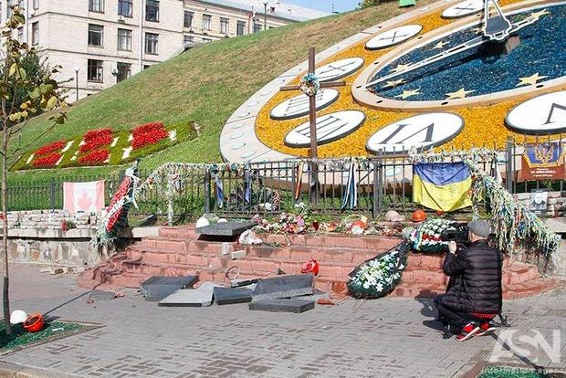 Вандала, який розбив пам'ятник Небесній сотні вКиєві, відпустили