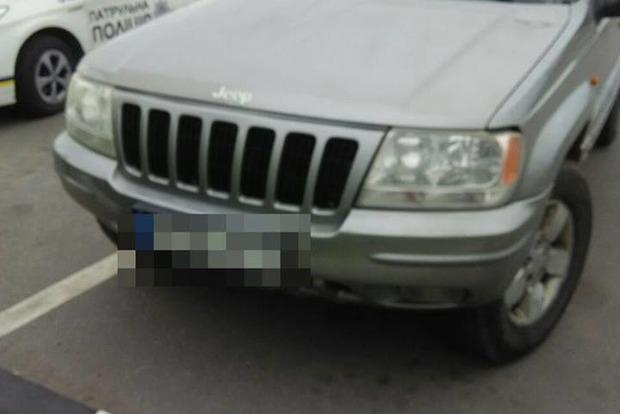 Случайно попался: в Ровно остановили авто с 9-летним водителем, наркотиками и оружием