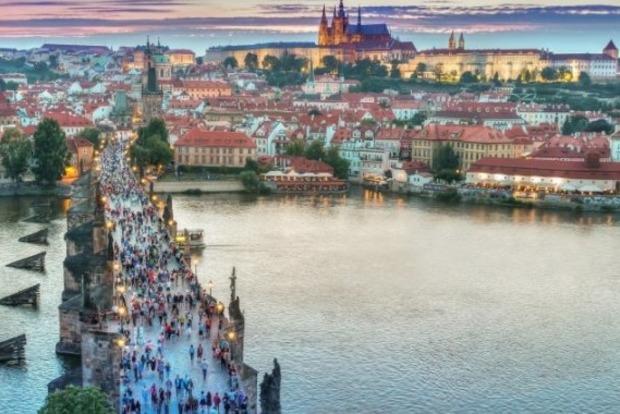 В центре Праги запретили велосипеды, сегвеи и моноколеса
