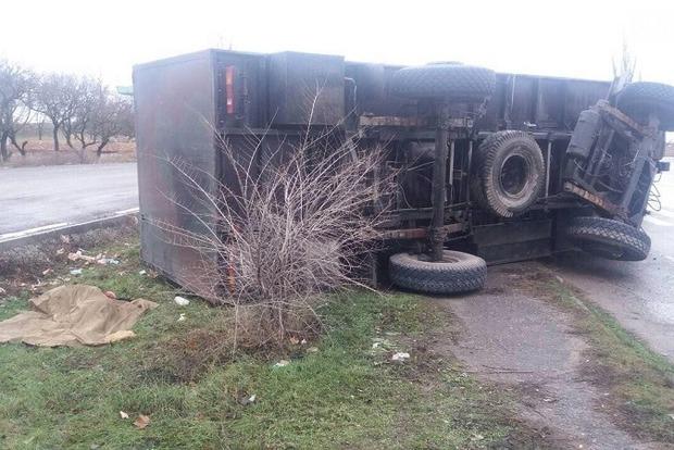 УМиколаївській області автомобіль Нацгвардії в'їхав узупинку, загинула дівчина,— ЗМІ