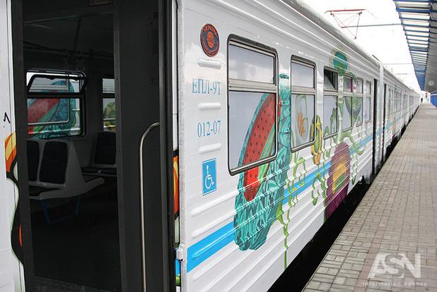 В Киеве частично запустили пригородный железнодорожный транспорт