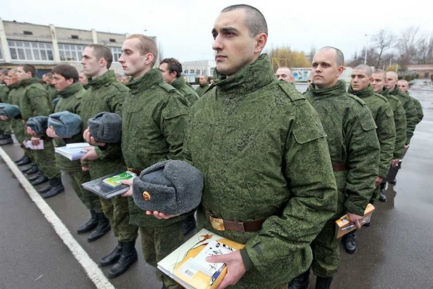 Российский военный расстрелял сослуживцев из автомата