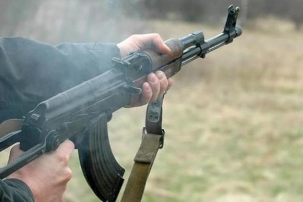 Неосторожное обращение с оружием: в штабе АТО подтвердили расстрел военного