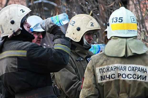 В Волгограде из-за взрыва бытового газа обрушился подъезд жилого дома