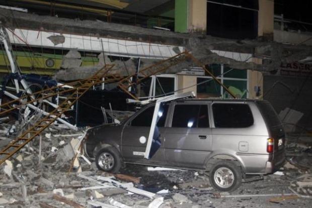На Филиппинах произошло сильное землетрясение, погибли 15 человек