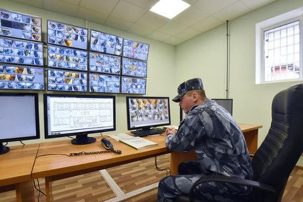 У «Владимирському централі» над зеками знущалися попсою