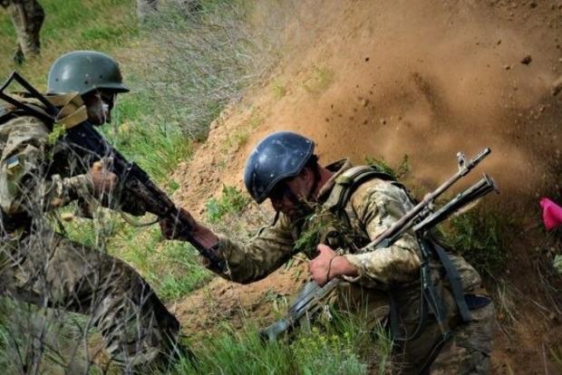 Под Южным снайпер подло убил спасающего раненного военного