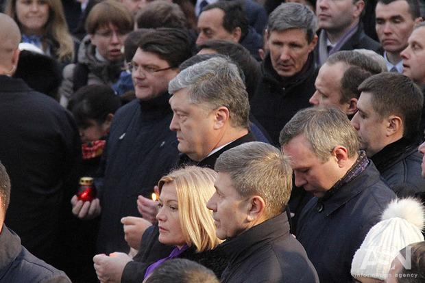 Порошенко пытается убедить западных партнеров поддержать его кандидатуру на грядущих выборах - политолог