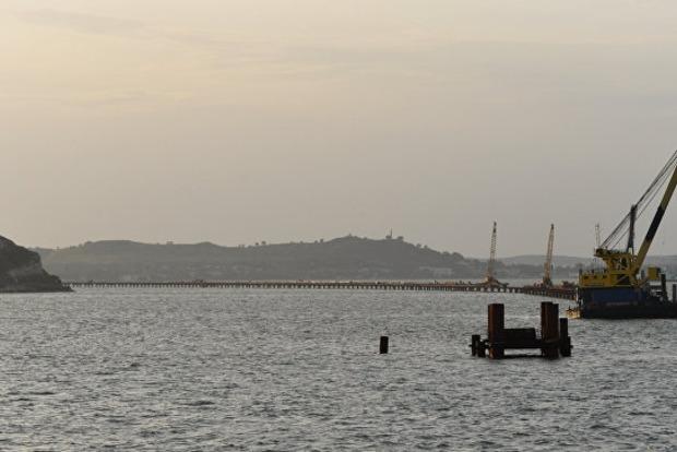В Керченском проливе затонуло российское судно. Несколько человек пропало без вести