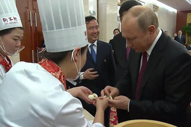 В Китае отсканировали пельмень Путина и поставили его на поток