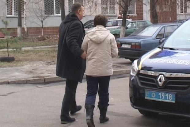 Киевлянка выбросила больного мужа из окна, а сама передумала прыгать