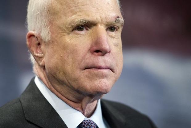 Маккейн поведал ослабом прогнозе медперсонала выжить вборьбе сраком мозга