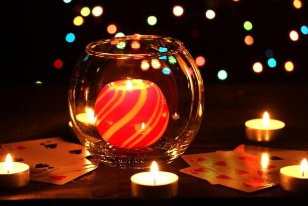Гадания в Сочельник перед Рождеством: простые способы узнать свою судьбу