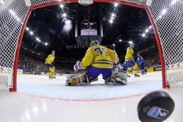 Чемпионат мира по хоккею 2017 года выиграла сборная Швеции