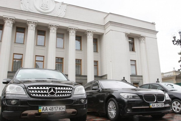 В Раде хотят разобраться с коррупцией в автопарке депутатов