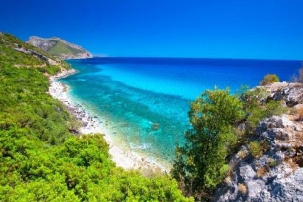 Туриста на Сардинії оштрафували на 1000 євро за крадіжку піску