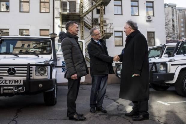 СММ ОБСЕ получила 20 бронированных автомобилей
