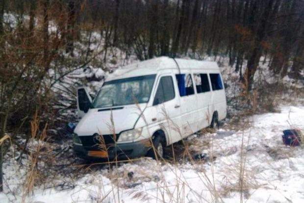 На Черниговщине перевернулся автобус : 18 пострадавших